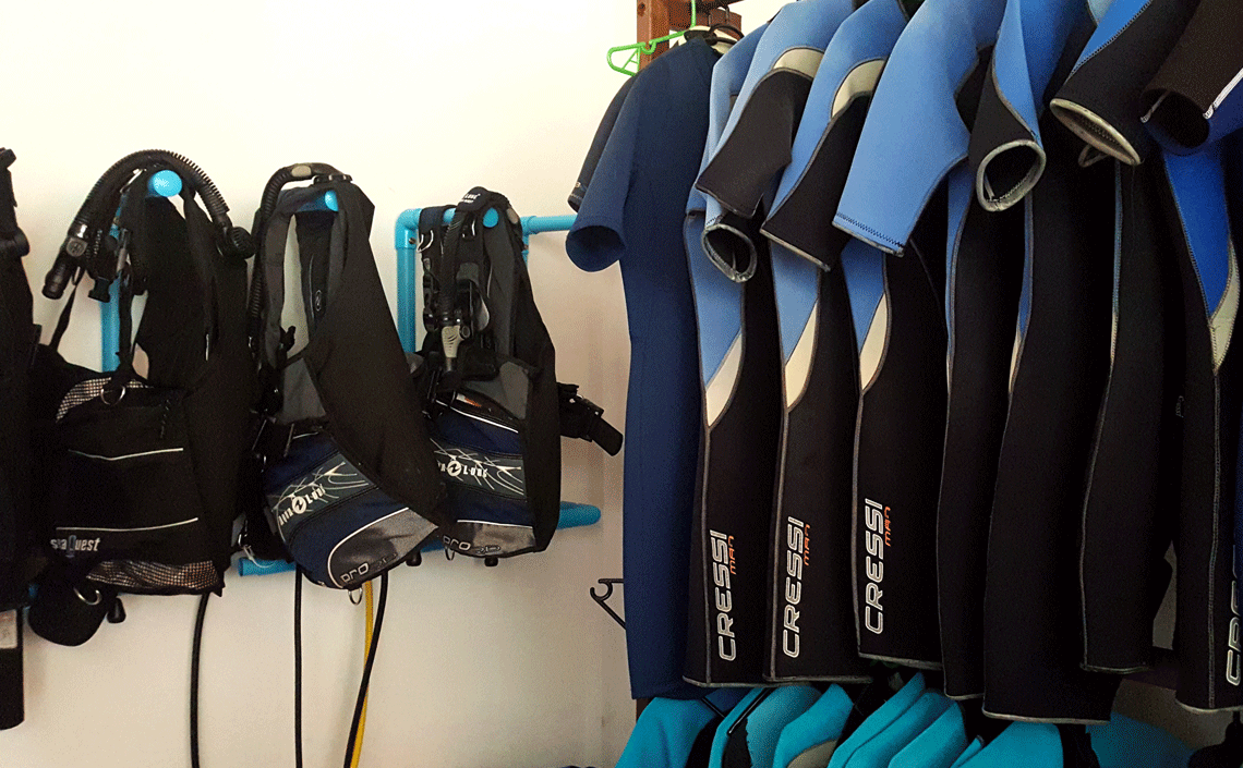 bcd-and-suits-cressi-aqualung